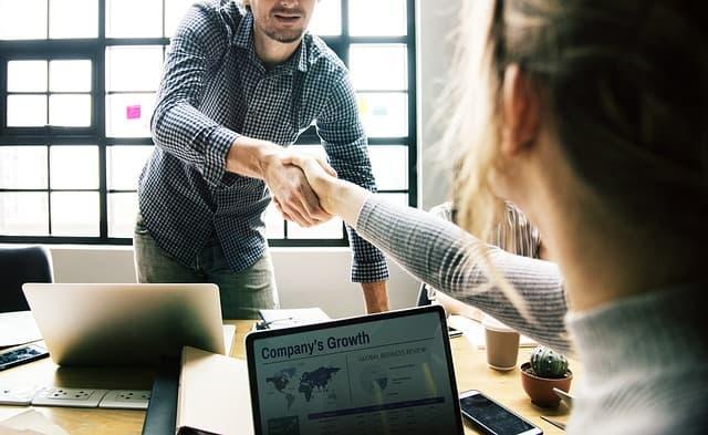 価値あるIT人材になるには?IT業界の課題とこれからするべきことを解説!